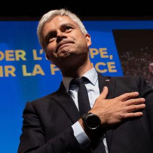 Laurent Wauquiez på scen.
