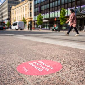 Ylitystarroja Hämeenkadun ja Tuomiokirkonkadun risteyksessä.