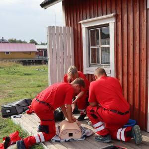 Förstaresponsgruppen på Utö övar