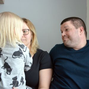 Jani Keskitalo tillsammans med frun Hanna och dottern