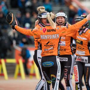 Jyväskylän Kirittäret juhli jaksovoittoa 3. finaalissa