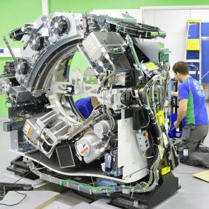 PET-CT maskinen installeras på Vasa centralsjukhus.
