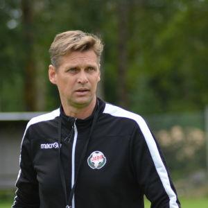 Svenska kaptenen forlanger kontrakt