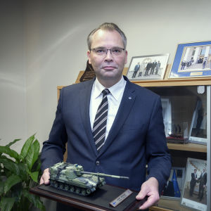 Puolustusministeri Jussi Niinistö.
