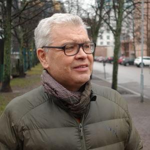 Carl-Gustav Lindén Helsingin Jätkäsaaressa.