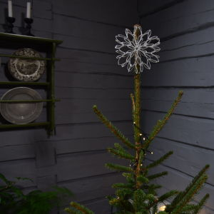 Joulutähti wc-paperirullista koristeltuna sokerikuorrutuksella.