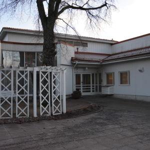Karinahemmet i Åbo. Taget utanför på själva byggnaden.