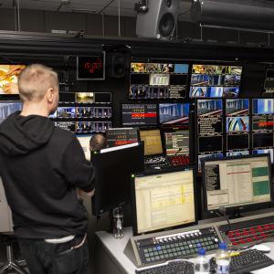 YLE uutisten uutisstudion tarkkaamo