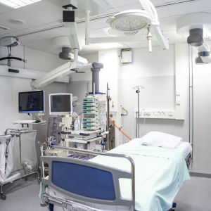 Eristyshuone Kuopion yliopistollisessa sairaalassa