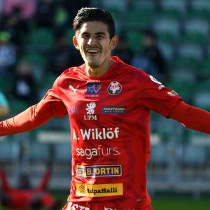 Jahir Barraza firar mål.