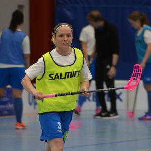 Lena Gillberg blev norsk medborgare och representerar Norge i innebandy.