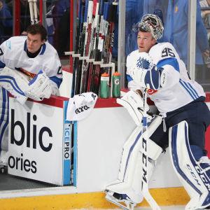 Då samtliga NHL-spelare senast fick spela landslagshockey delade Tuukka Rask och Pekka Rinne på det blåvita målvaktsansvaret. Här i Toronto hösten 2016.