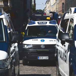 Poliisiajoneuvoja