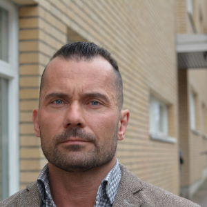 Profilbild på kriminalkommissarie Mika Paaer.