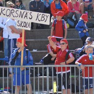 Elever från Korsnäs på Stafettkarnevalen
