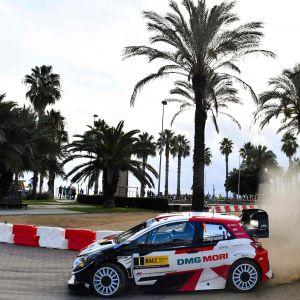 Sébastien Ogier kör bil i Spanien.