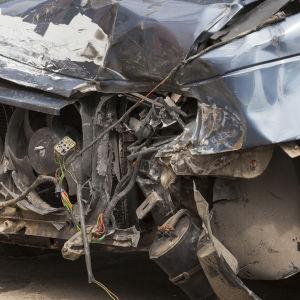 Ett rostigt bilskrot.