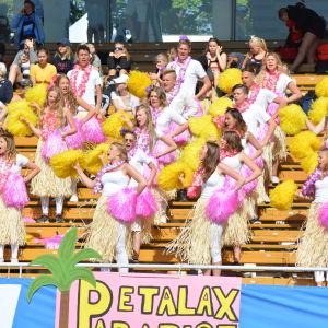 Petalax herjarklack på Stafettkarnevalen