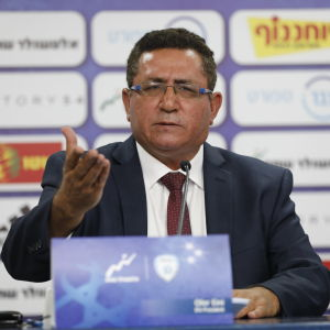 Ofer Eini leder Israels fotbollsförbund.