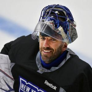 Henrik Lundqvist står i mål för New York Rangers i NHL.