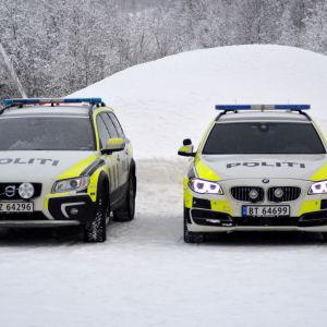 Polisens bilar.