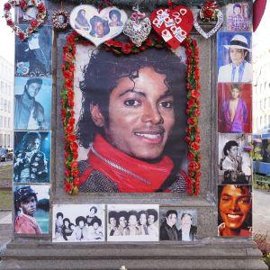 Ett minnesmärke över Michael Jackson i München, Tyskland.