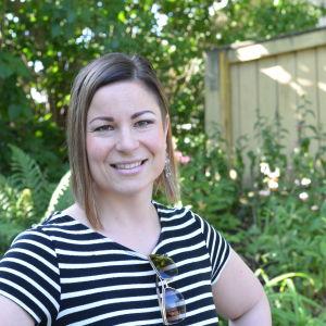 Porträttbild på Julia Salmela.