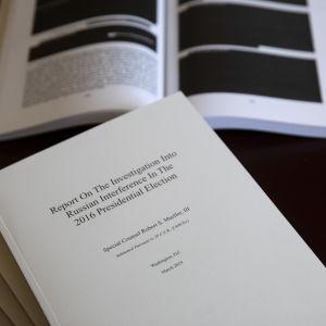 Hemligstämplade svärtade sidor i Muellerrapporten.