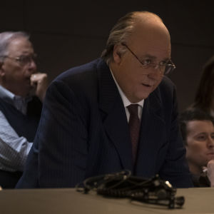 Bild från tv-serien The Loudest Voice. I bilden syns Russel Crowe som spelar tv-producenten Roger Ailes.