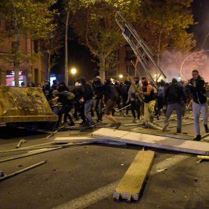 Demonstranter i Katalonien.