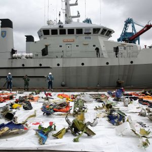 Upphittade delar av flygplanet som störtade i havet i Indonesien 9 januari 2020.