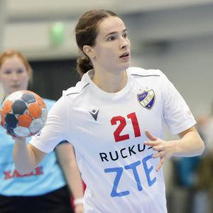 HIFK:s Ella Holopainen var matchens bästa målskytt med sina sex fullträffar.