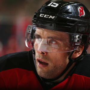 Tuomo Ruutu New Jersey Devilsin paidassa NHL:ssä.