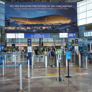 Helsingfors-Vanda flygplats, aulan.