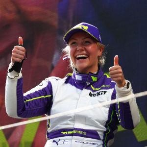 Formulakuljettaja Emma Kimiläinen.