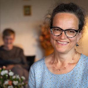 Sjukhusmusiker Anna Brummer ler.