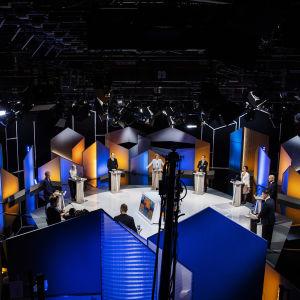 Yhdeksän eduskuntapuolueen puheenjohtajaa kohtasi Ylen suuressa kuntavaalikeskustelussa 11. toukokuuta Pasilassa.