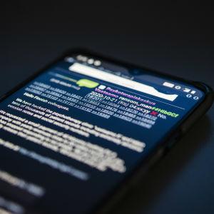 Kuvassa on nimimerkin ransom_man Torilaudalle 21. lokakuuta 2020 tekemä postaus, jossa kerrotaan Vastaamoon kohdistuneesta tietomurrosta.