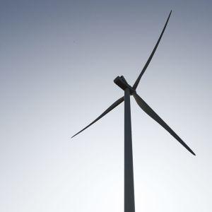 En vindkraftsmölla.