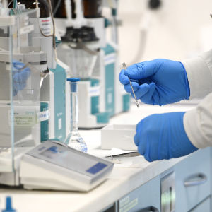 Coronatest tas fram i laboratorie.