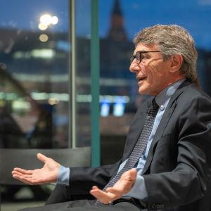 Euroopan parlamentin puhemies David Sassoli keskustakirjasto Oodissa