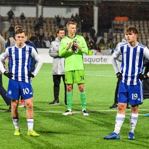 HJK:n pelaajien ilmeet olivat paljonpuhuvat, kun Maccabi Tel-Aviv tyrmäsi Klubin rumasti lukemin 5–0.