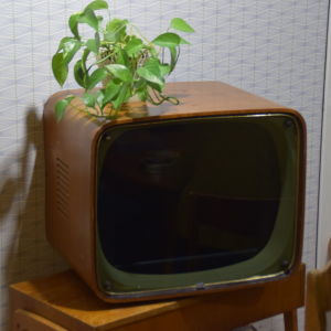 TV-apparat från 1950-talet.