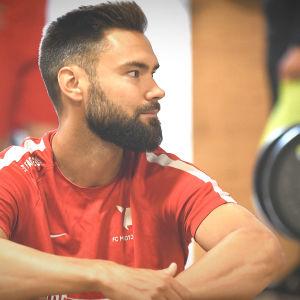 Tim Sparv i FC Midtjyllands gym.