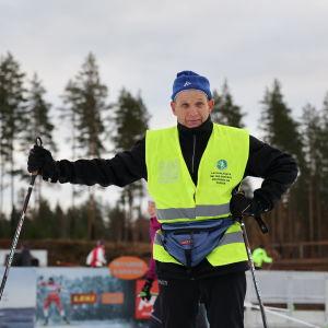 Tarmo Jouhkimo aloittamassa hiihtokauden Kontiolahdella