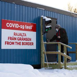 Ruotsista tullut henkilö on menossa koronatestiin