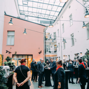 A wide image of a mingle during PBI 2019.