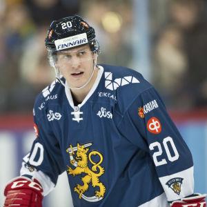 Eeli Tolvanen i det finländska hockeylandslaget.