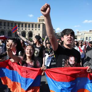Protester i Armeninens huvudstad Jerevan.
