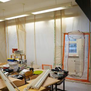 Klassrum som där det pågår reparationsarbeten.